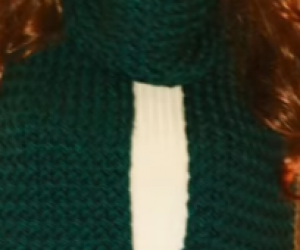 beginner-loom-a-knit-scarf