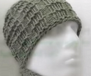 Loom Knit A Men's Brimless Hat