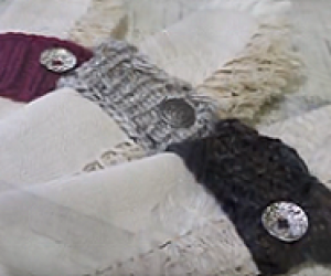 Loom Knit Napkin Holders - A beginners loom knitting project.